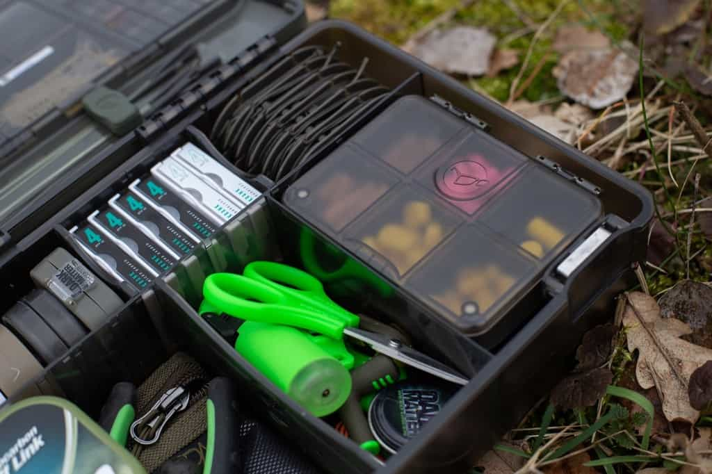 tackle box korda vol materiaal